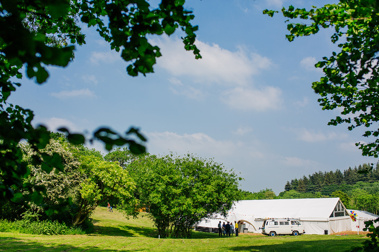 5 Reasons Why You Should Consider The Outdoors For Your Wedding